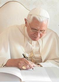 Benedicto XVI firma el Decreto sobre el Milagro que abre la puerta a la Beatificación de Fray Leopoldo