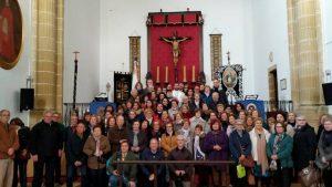 Peregrinos ganan el Jubileo, en la basílica del santo en Montilla