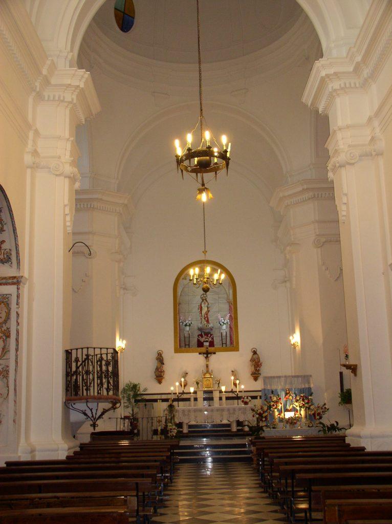 Interior de la Iglesia parroquial de Alpandeire