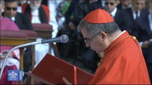 El Card. Becciu solicita al Papa la canonización de unos Beatos