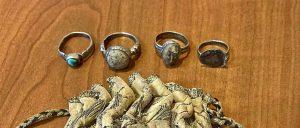 Los cuatro anillos de los obispos santos de San Estevo de Ribas de Sil