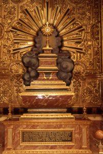 Sepulcro del P. Cosme, en la iglesia de la Piedad