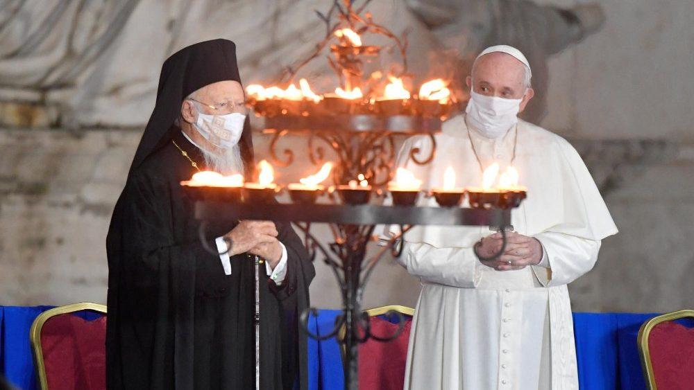 El Papa y el Patriarca Ecuménico Bartolomé I, en el Encuentro internacional por la Paz. Roma 2020